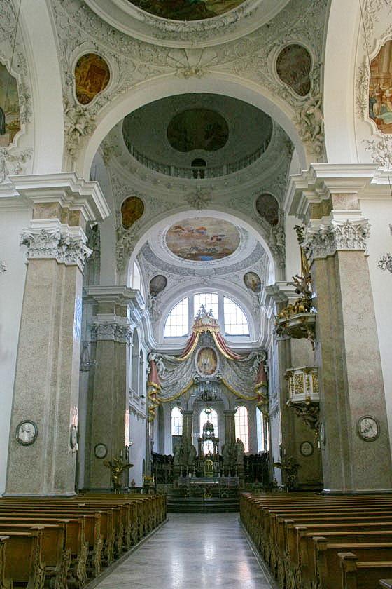 Kloster und die Basilika St. Mang